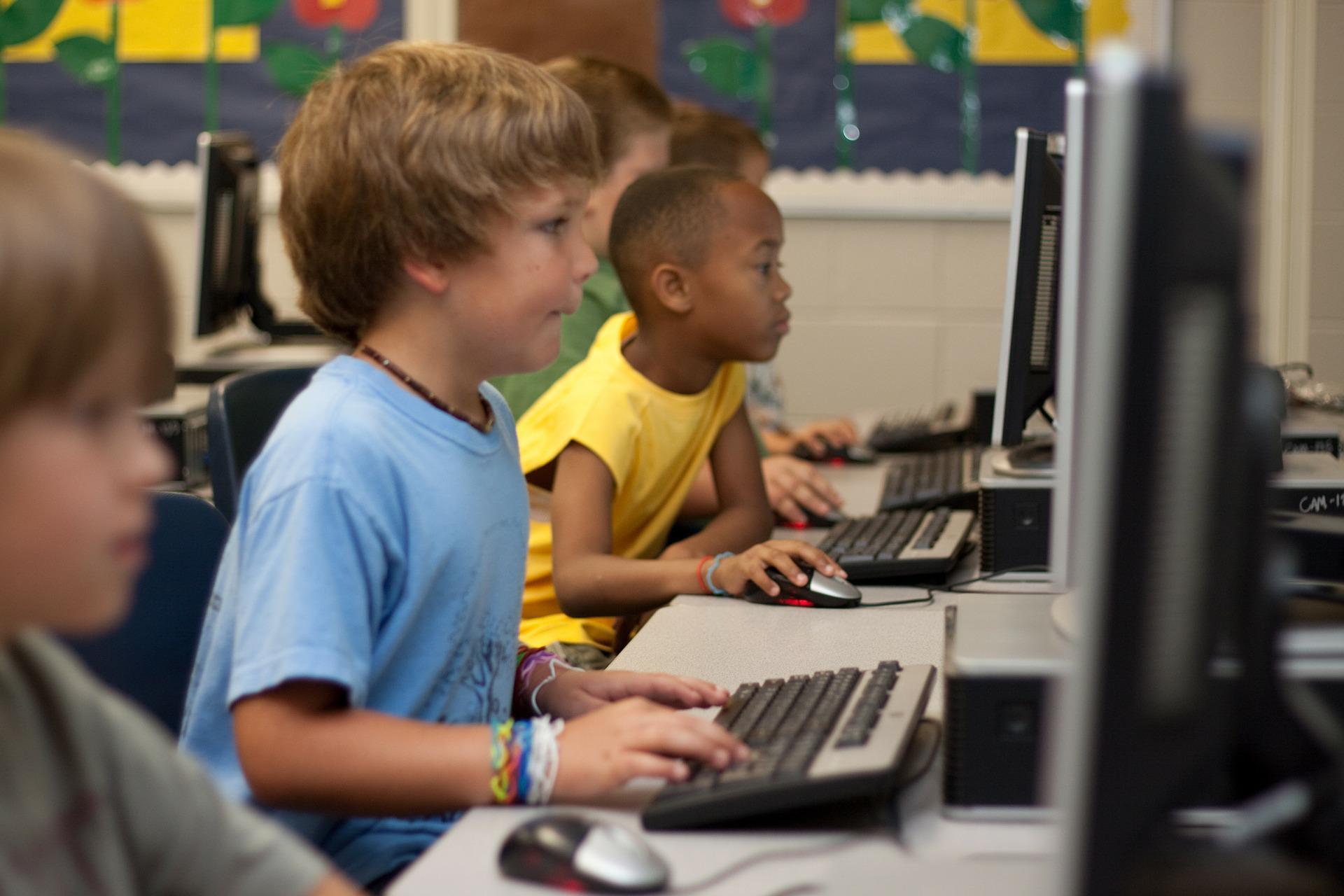 Conteúdos para educação infantil: 5 sites que vão te ajudar a ensinar de maneira lúdica