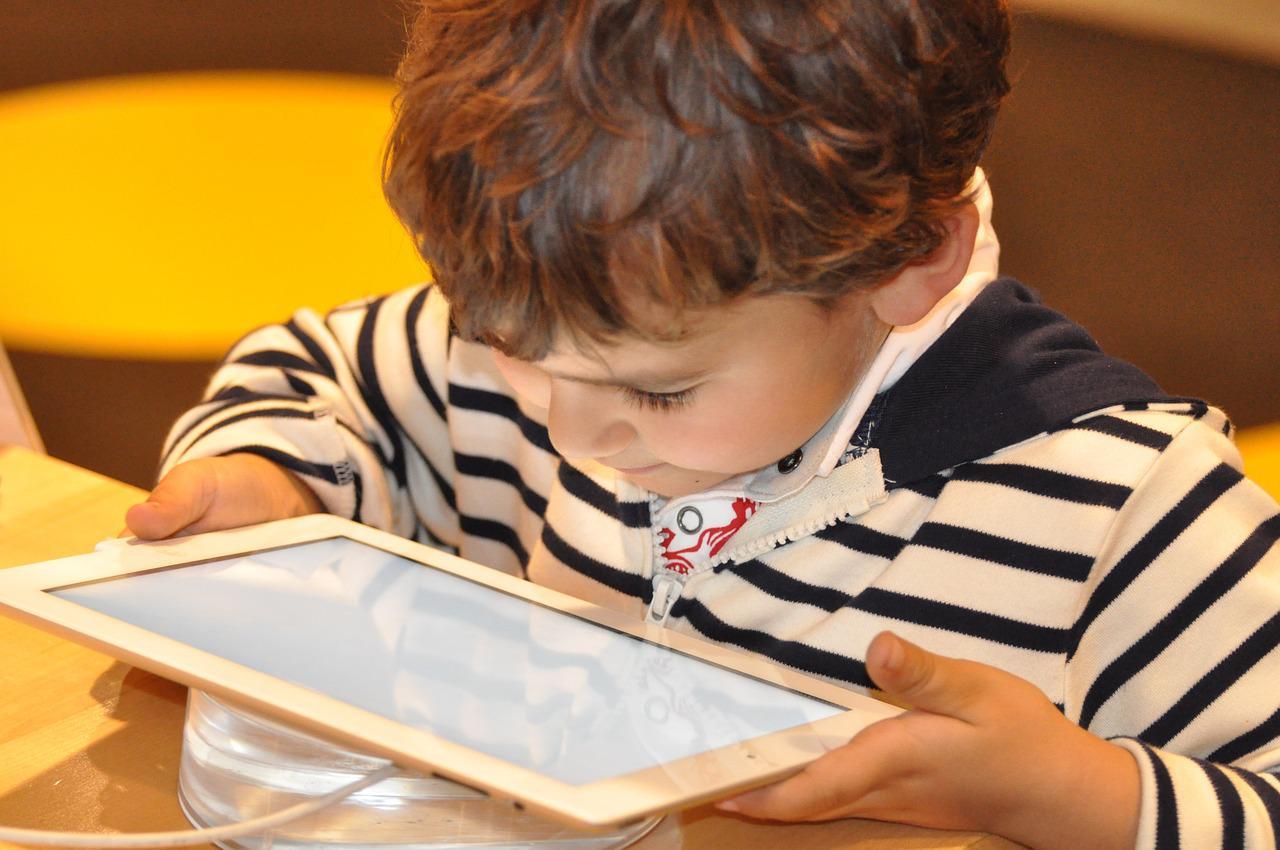 Ensino híbrido: online e offline juntos para uma nova experiência de aprendizado