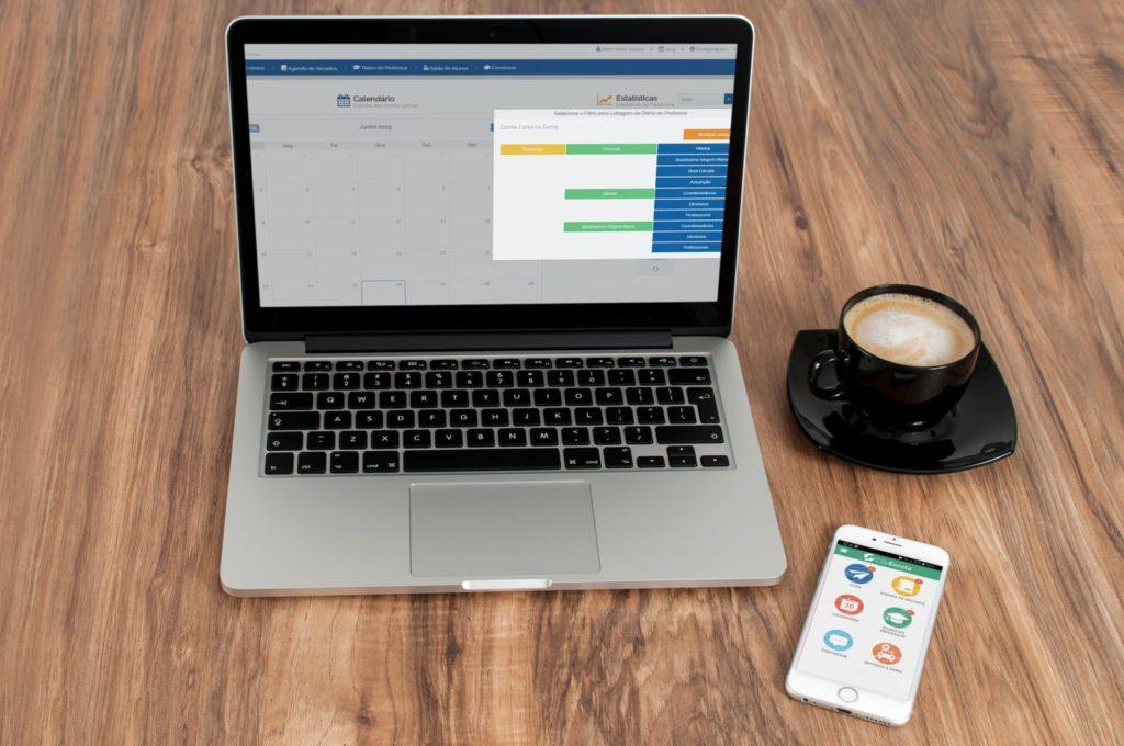Recursos para adesão à agenda digital escolar