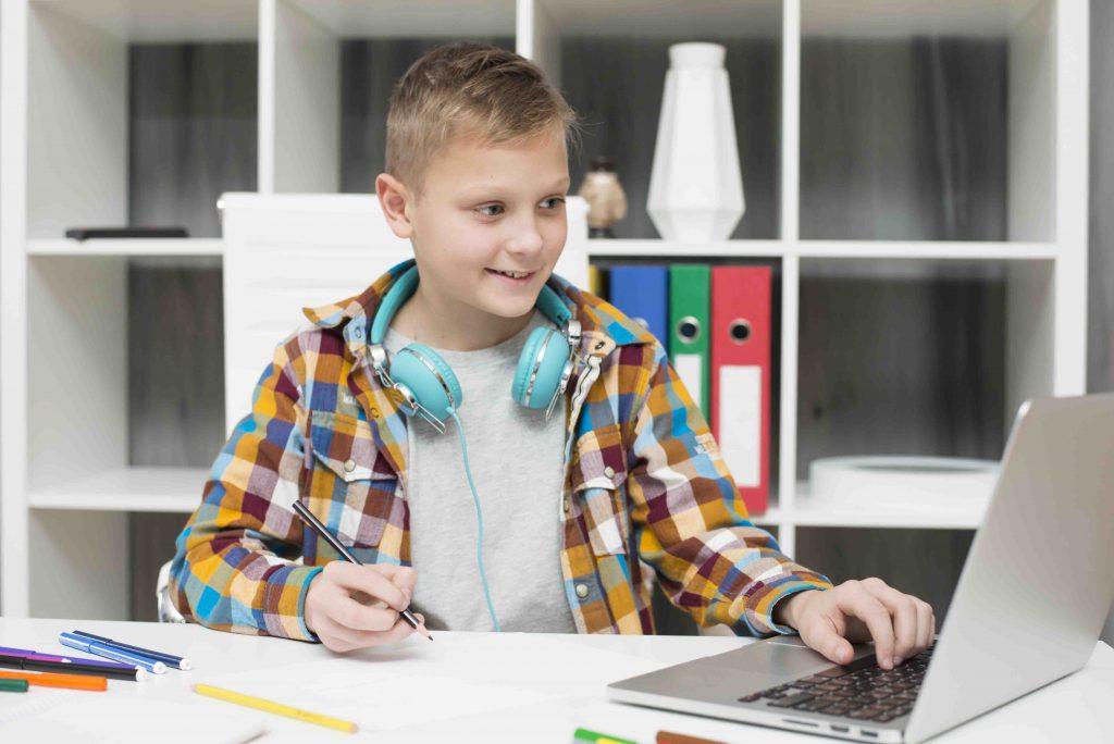 Ensino híbrido em sala de aula